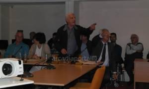 Τρίπολη: Άγριος καβγάς στο Δημοτικό Συμβούλιο - Διεκόπη η συνεδρίαση (video)