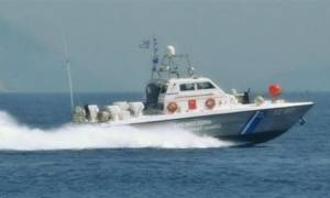 Μηχανική βλάβη σε πλοίο βορειοανατολικά της Άνδρου