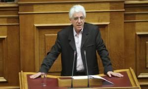 Το τρίτο Μνημόνιο «πετσόκοψε» συντάξεις, όχι όμως και προκλητικά επιδόματα βουλευτών