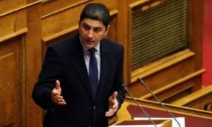 Αυγενάκης: Κατήγγειλε ότι κυβερνητικά στελέχη έχουν στήσει γραφείο εξυπηρετήσεων με το … αζημίωτο