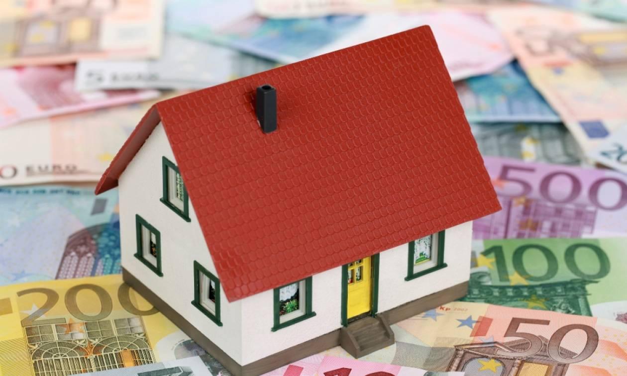 Κόκκινα δάνεια: Η κυβέρνηση επιχειρεί να δικαιολογήσει τη συμφωνία