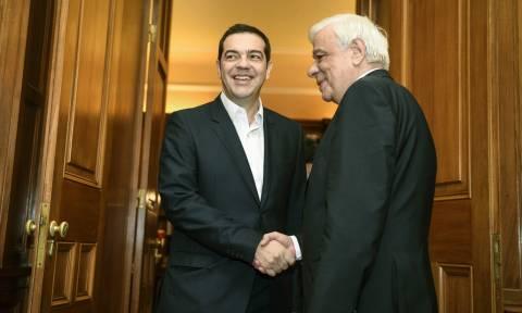 Τι είπε ο Παυλόπουλος στον Τσίπρα για το Συμβούλιο Πολιτικών Αρχηγών
