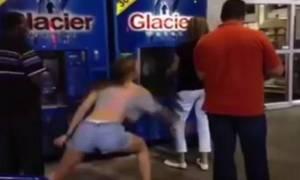 Προσοχή! Κυκλοφορεί γυναίκα... Ρεμί! (video)