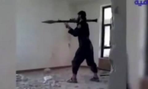 Τζιχαντιστής ανατινάχθηκε από πύραυλο που εκτόξευσε ο ίδιος! (video)