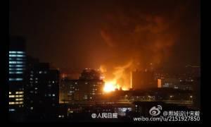 Μεγάλη πυρκαγιά σε κτήριο της Σαγκάη (photos)