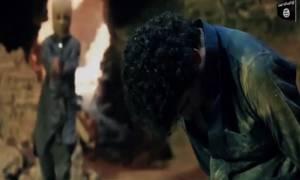 Βίντεο-σοκ: Οι τζιχαντιστές βάζουν παιδιά να παίξουν «κρυφτό» με κρατούμενους για να τους εκτελέσουν