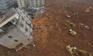 Βίντεο καταγράφουν τη στιγμή που 33 κτίρια ισοπεδώνονται από κατολίσθηση στην Κίνα (Pic & Vids)