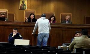 Δίκη Χρυσής Αυγής: «Φοβήθηκα» παραδέχθηκε αστυνομικός - μάρτυρας στη δολοφονία Φύσσα