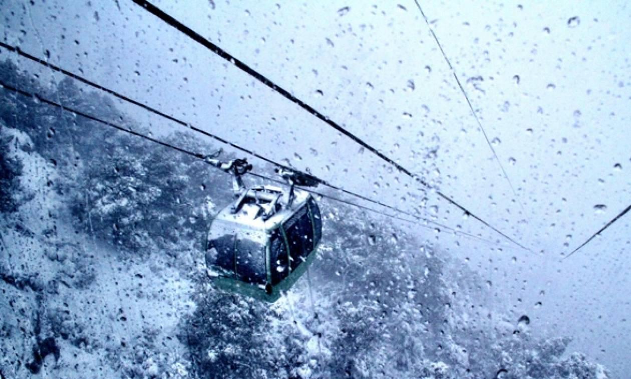Αποτέλεσμα εικόνας για Χιονίζει Πάρνηθα