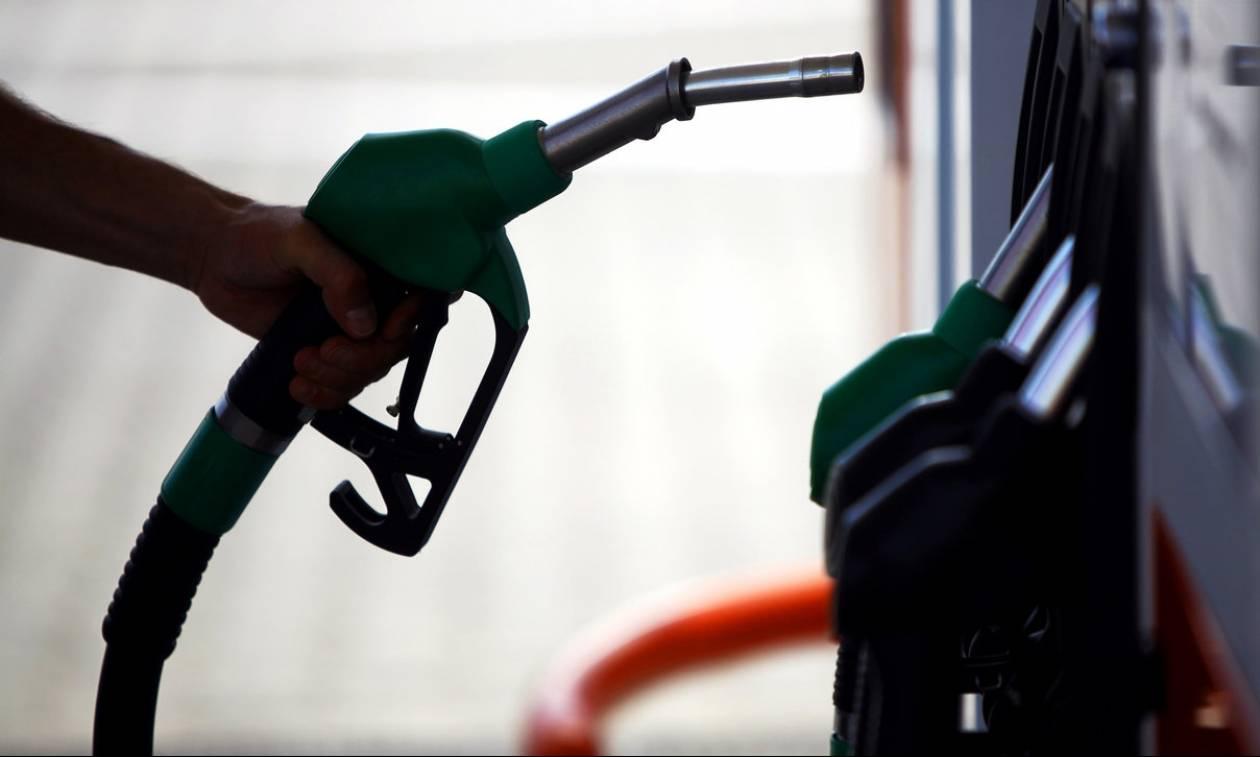 Δεν πρέπει να οδηγούμε με το ένα τέταρτο του ντεπόζιτου της βενζίνης – Δείτε γιατί