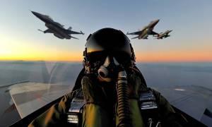 Έτσι περνούν τις γιορτές οι Έλληνες πιλότοι (vid)