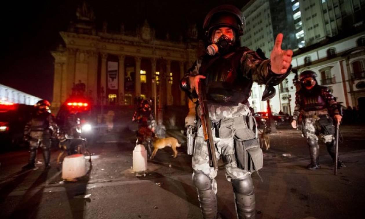 Βραζιλία: Βίαια επεισόδια για την αύξηση των εισιτηρίων στα ΜΜΜ