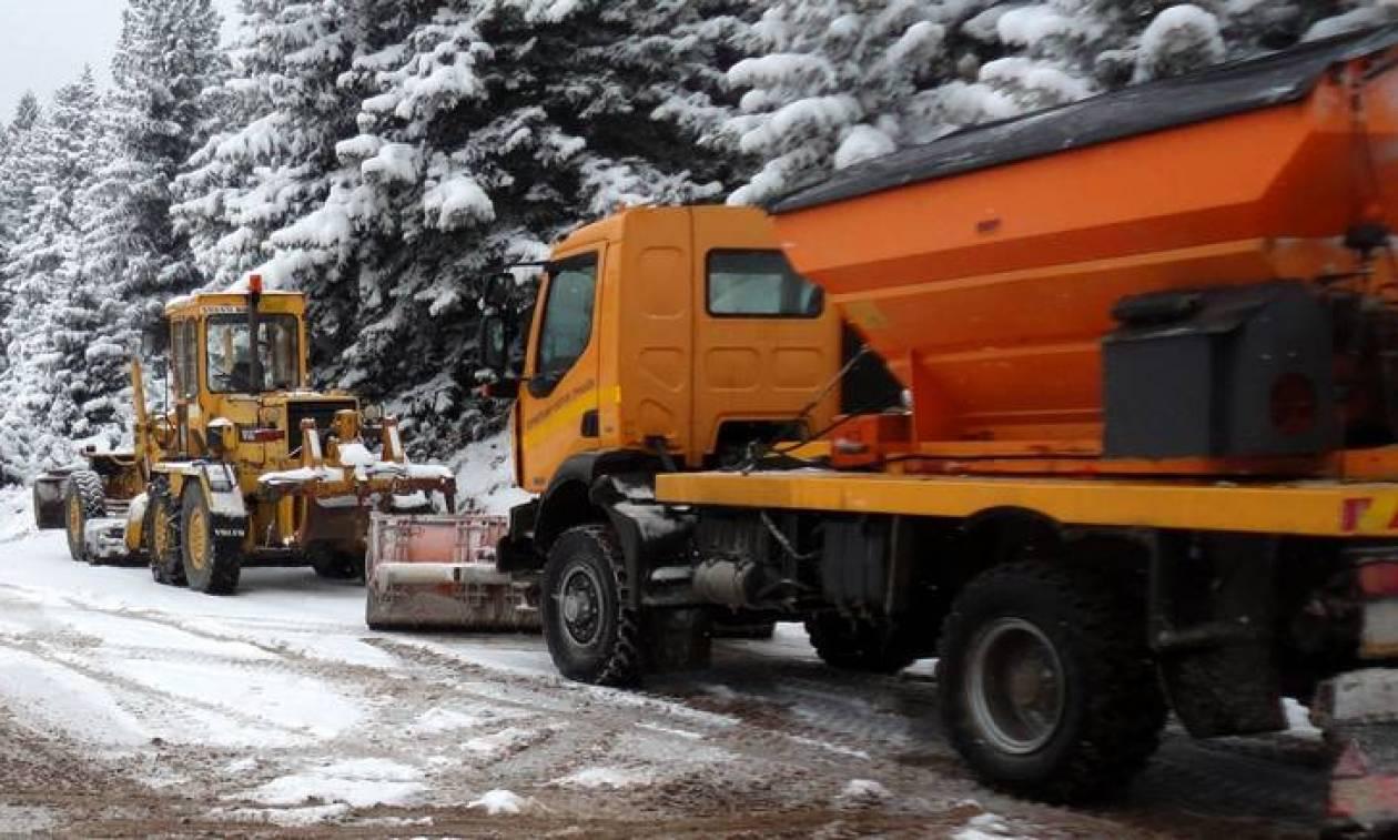 Σε κλοιό χιονιά η χώρα - Έρχεται τετραήμερο με χιόνια, χαλάζι και θυελλώδεις ανέμους