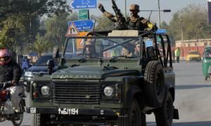 Έκτακτο: Ένοπλη επίθεση και εκρήξεις σε πανεπιστήμιο στο Πακιστάν (video)