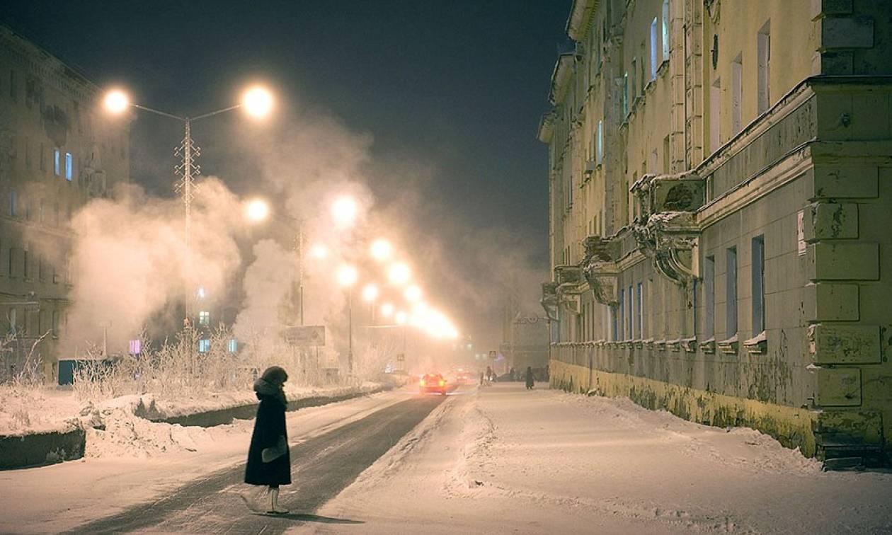 Η ζωή στην πιο σκοτεινή και κρύα πόλη του πλανήτη (photos)