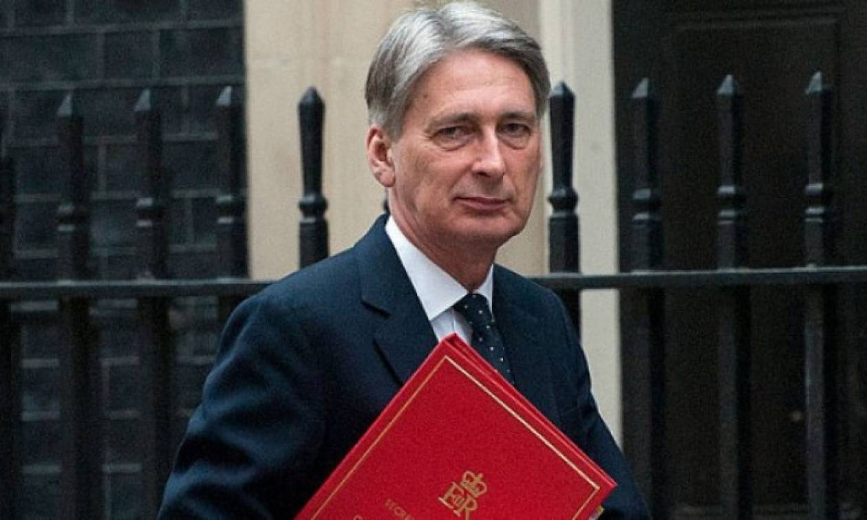 ΕΕ-Βρετανία: Σε αναβρασμό για αποφυγή μεγάλης κρίσης στο ευρωπαϊκό μπλοκ