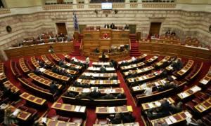 Βουλή: Σκληρή αντιπαράθεση με αφορμή την απεργία για το ασφαλιστικό