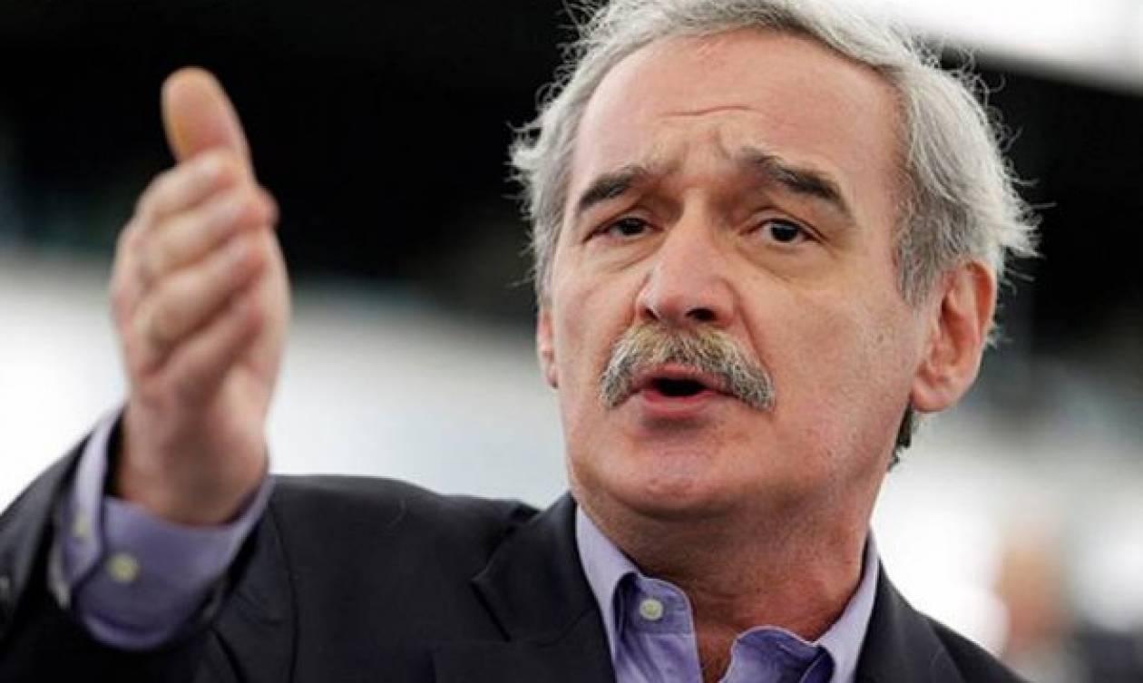 Κόλαφος για την κυβέρνηση η υπερψήφιση από το ΕΚ τροπολογίας Χουντή για τα νησιά