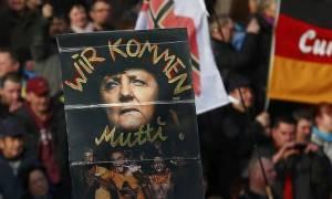 Συγκεντρώσεις χιλιάδων ανθρώπων κατά των μεταναστών σε 14 ευρωπαικές πόλεις