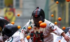 Η επική μάχη των πορτοκαλιών στην Ιταλία