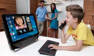 Πόσες ώρες περνούν στο Διαδίκτυο τα παιδιά μας;