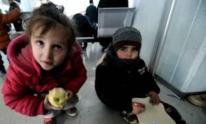 Στο λιμάνι του Πειραιά δύο πλοία με 1.295 μετανάστες και πρόσφυγες