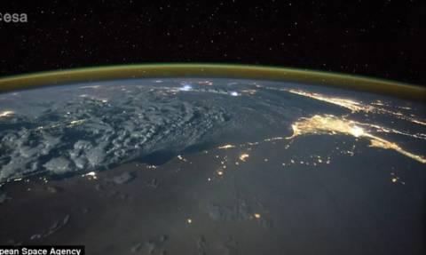 Εντυπωσιακό βίντεο: «Συγχορδίες» αστραπών όπως φαίνονται απ' το διάστημα