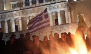 Αγρότες - Βουλή: Από την πίσω πόρτα έφυγαν οι βουλευτές του ΣΥΡΙΖΑ