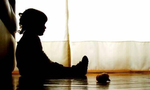 Φρίκη στην Πέλλα: Βασάνιζαν και κακοποιούσαν σεξουαλικά τα παιδιά τους