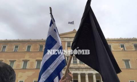 Αγρότες: Πρωτοφανείς εικόνες στο κέντρο της Αθήνας από την κάθοδο των αγροτών (photos)