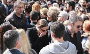 Κηδεία Παντελίδη: Αμίλητος ο Α. Ρεμος, το σπαρακτικό κλάμα της Υβόννης