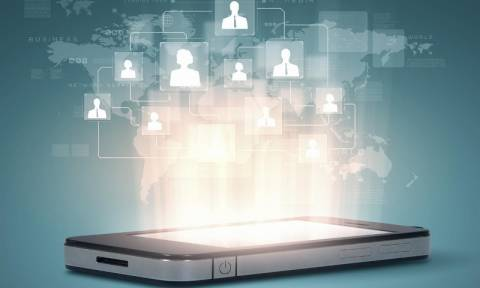 Το κινητό τηλέφωνο κυρίαρχο μέσο επικοινωνίας, ψυχαγωγίας και ενημέρωσης - Εντυπωσιακά Στατιστικά