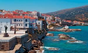 Σοκ: Ακέφαλο πτώμα βρέθηκε σε παραλία της Άνδρου