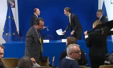 Ανοιχτά μικρόφωνα έβαλαν «φωτιές» - Ο κρυφός διάλογος Μοσκοβισί - Ντάισεμπλουμ για το ελληνικό χρέος