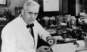 Σαν σήμερα το 1955 πέθανε ο βραβευμένος με Νόμπελ βιολόγος Αλεξάντερ Φλέμινγκ