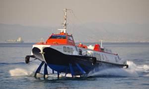 Μηχανική βλάβη σε «δελφίνι» που πραγματοποιούσε το δρομολόγιο Ύδρα - Πειραιά
