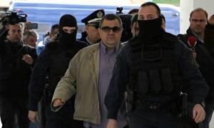 Αποφυλακίστηκε ο δολοφόνος του Παύλου Φύσσα, Γιώργος Ρουπακιάς (βίντεο)