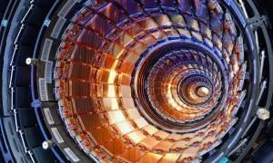 Επιστημονικός «πυρετός από ενδείξεις για πιθανή ανακάλυψη νέου σωματιδίου στο CERN