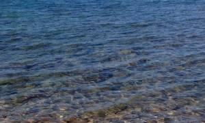 Θρίλερ στην Πάτρα: Η θάλασσα ξέβρασε το πτώμα ημίγυμνης γυναίκας