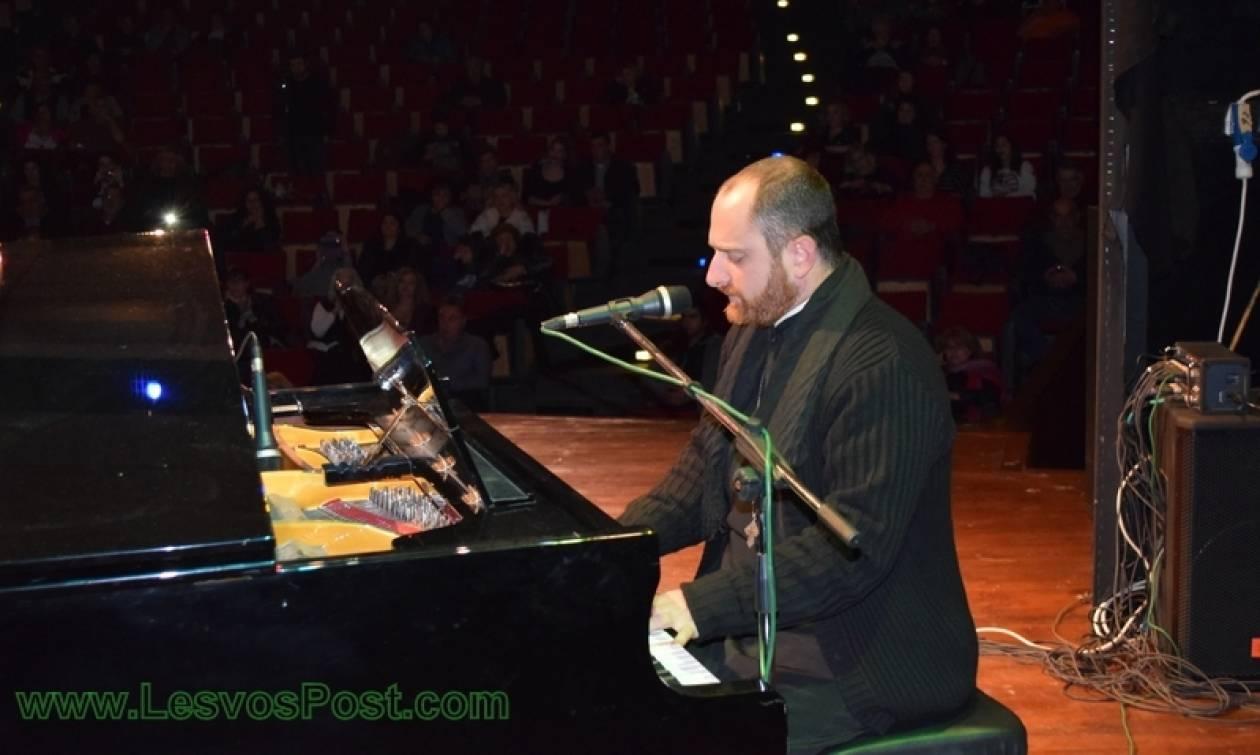 Παντελής Παντελίδης: Παπάς τραγουδάει «Λιώμα στον γκρέμο» (vid)