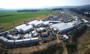 Πούλμαν με πρόσφυγες αναχωρούν από την Ειδομένη - Μηδενικές σχεδόν οι αφίξεις στα νησιά