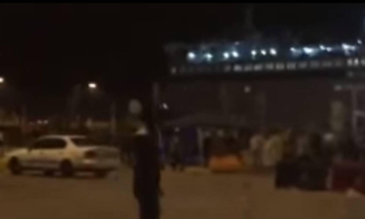 Βίντεο–ντοκουμέντο από τις συγκρούσεις προσφύγων στον Πειραιά