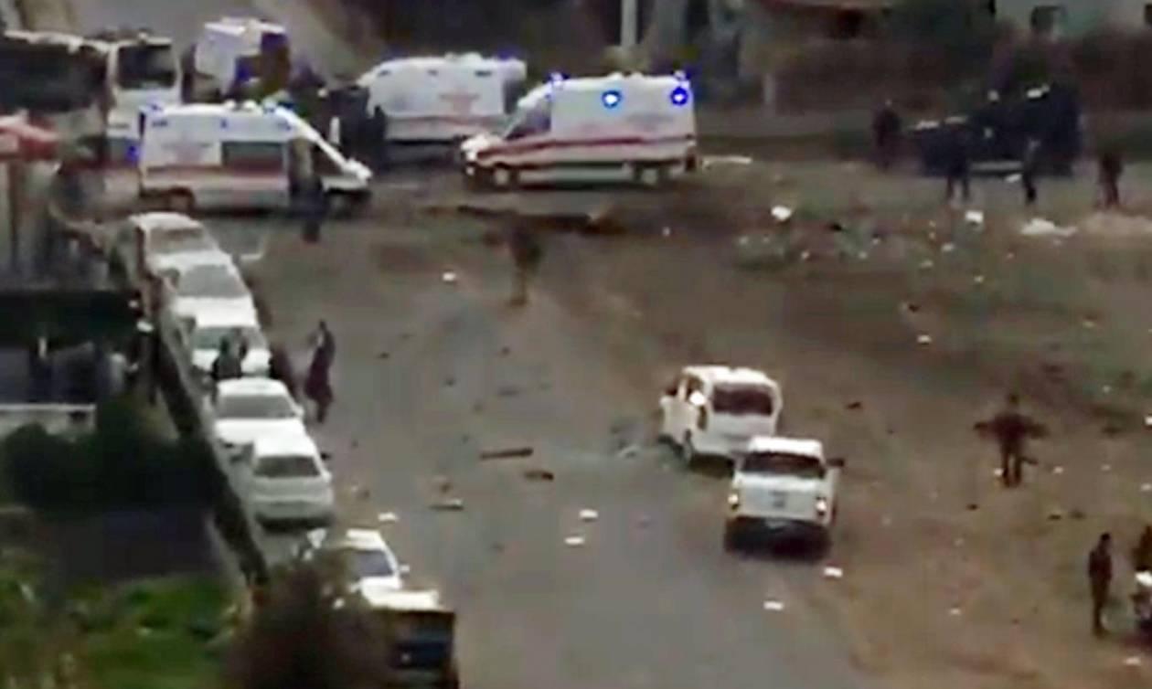 Τουρκία: Επίθεση αυτοκτονίας εναντίον αστυνομικού οχήματος - Αναφορές για νεκρούς (video)