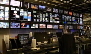 Έρευνα-χαστούκι στην κυβέρνηση για τηλεοπτικές άδειες και διαδίκτυο