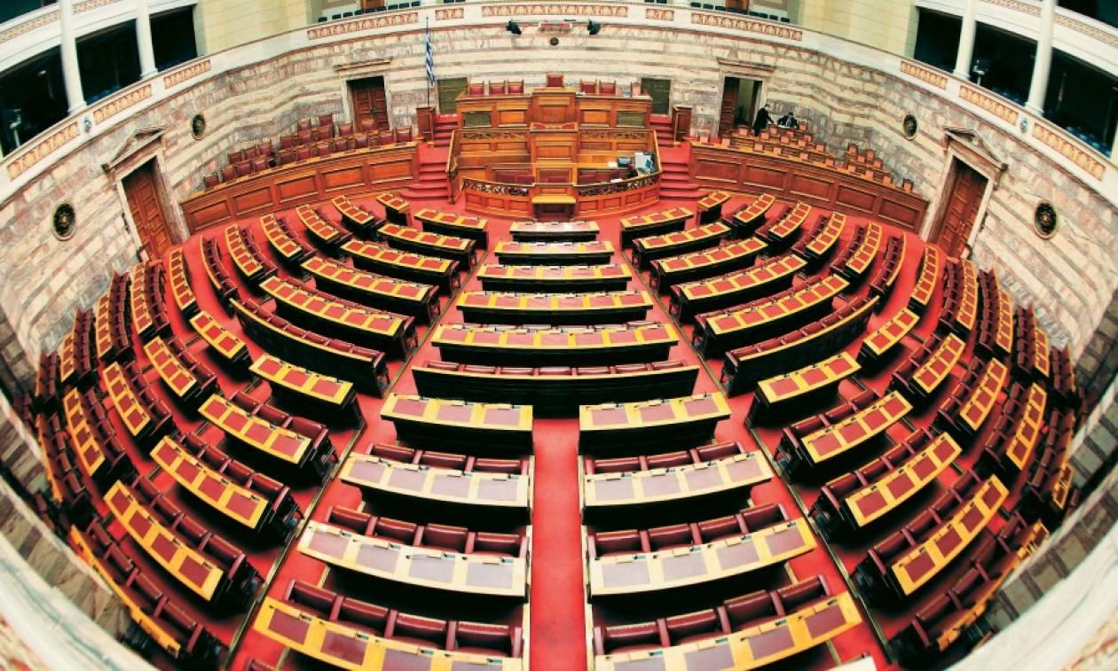«Φλερτ» και συμμαχίες σε εποχές μεγάλης πολιτικής ρευστότητας