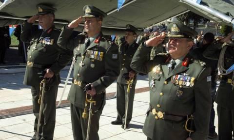 «Βόμβα»: Εξετάζουν μείωση συντάξεων στις Ένοπλες Δυνάμεις