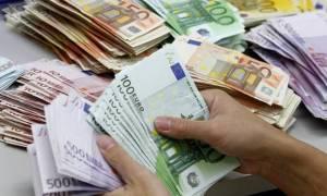 Περίπου 1,1 δισ. ευρώ άντλησε το Δημόσιο από εξάμηνα έντοκα γραμμάτια