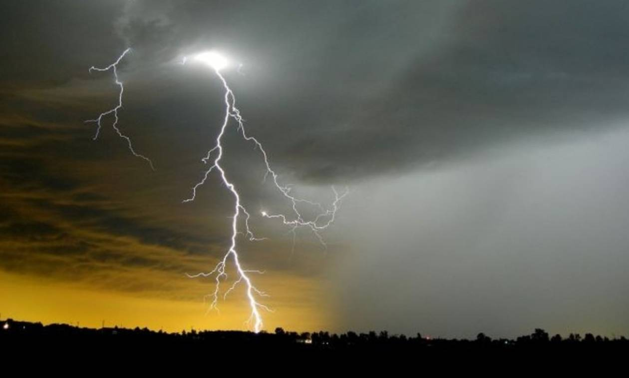 Κακοκαιρία το Σαββατοκύριακο: Έρχονται χαλάζι και ισχυρές καταιγίδες