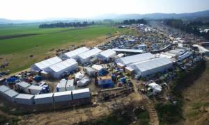 Σχεδόν 53.000 οι εγκλωβισμένοι πρόσφυγες και μετανάστες στη χώρα - Ποιες περιοχές «βουλιάζουν»