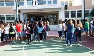 Υπό κατάργηση η Προσευχή στα σχολεία και οι παρελάσεις